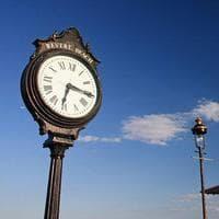 A clock along Revere Beach. (Courtesy: Creative Commons)