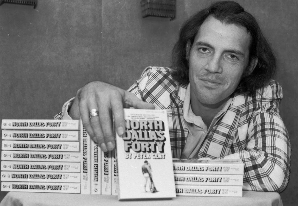 """FILE: Former Dallas Cowboys flanker Peter Gent also wrote the bestseller """"North Dallas Forty."""" (AP)"""