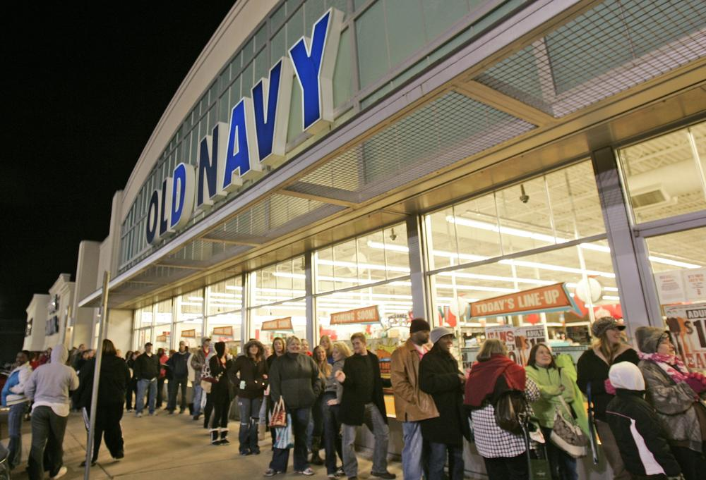 Hundreds of shoppers are lined up at a Little Rock, Ark., Old Navy store in 2009 on Black Friday. (AP)