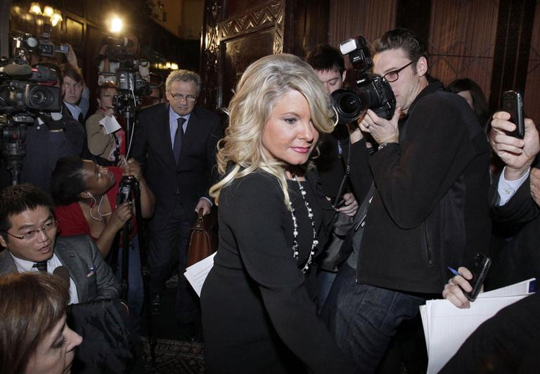 Sharon Bialek arrives for a news conference at the Friars Club, Monday, Nov. 7, 2011. (AP)
