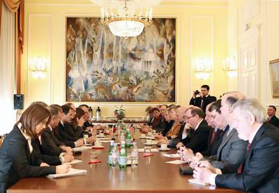 Scene from another negotiation, US-Russian arms talks in Geneva