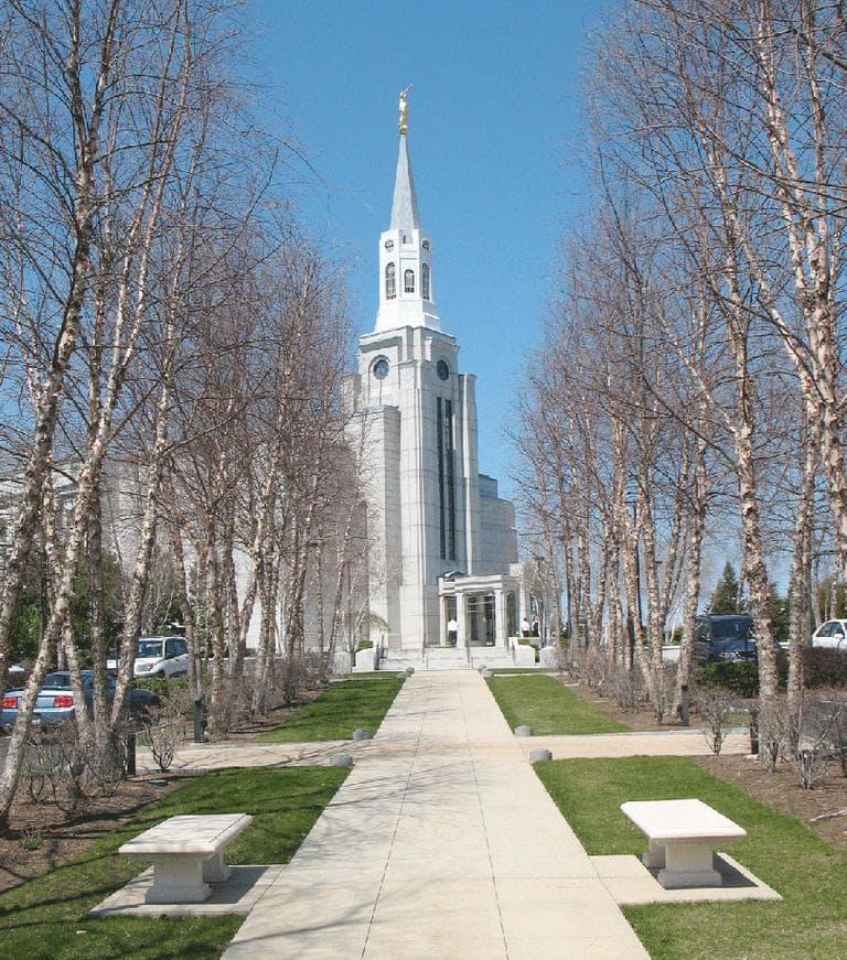 The Mormon temple in Belmont (aaron.knox/Flickr)