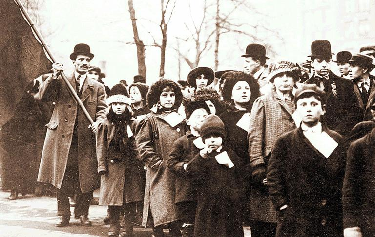 Workers and their families rallied in 1912 during the Bread and Roses strike. (Courtesy: Bread and Roses Centennial Exhibit)
