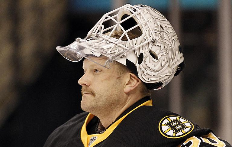 Boston Bruins goalie Tim Thomas says his decision to skip a team meeting with President Obama was not about politics or party. (AP)
