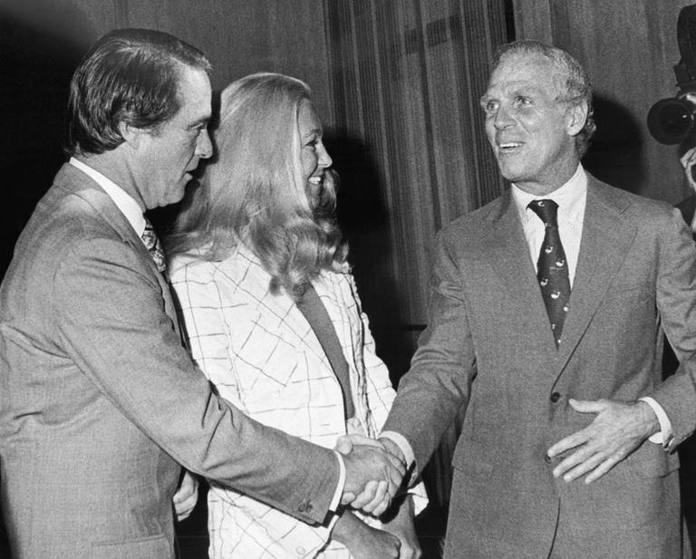 Boston Mayor Kevin White, right, greets Democratic vice presidential candidate Sargent Shriver on Sept. 5, 1972, at City Hall in Boston. (AP)