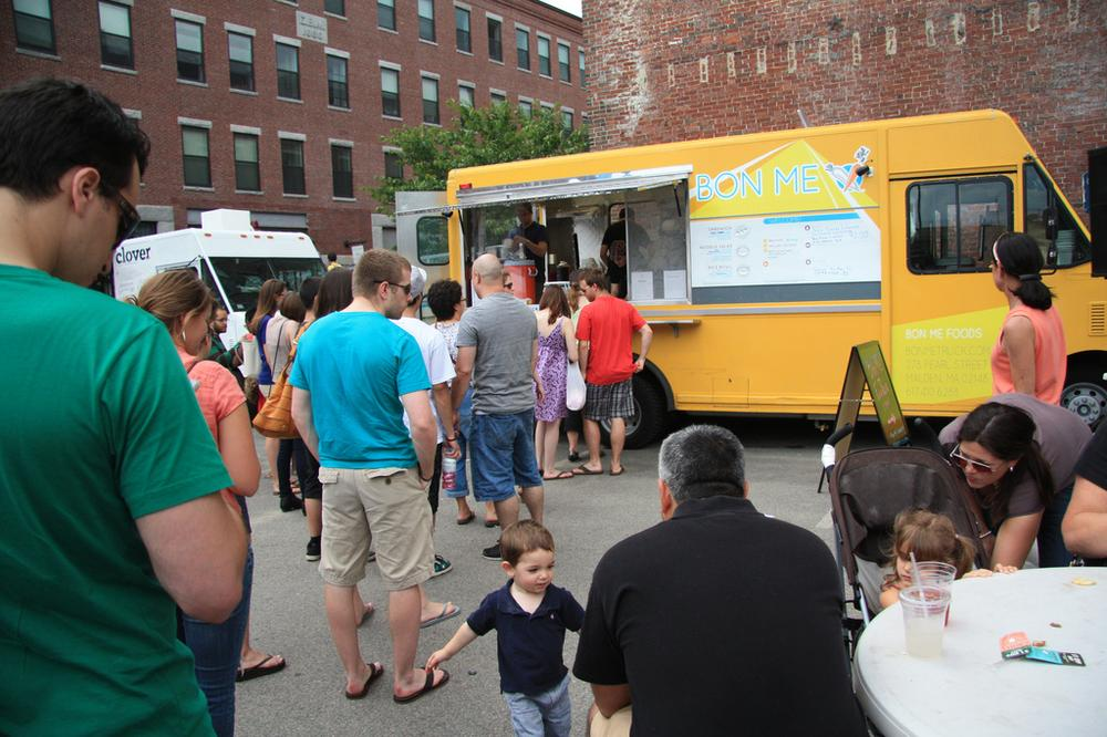 Food trucks at the SoWa Open Market in Boston's South End (firesika/Flickr)