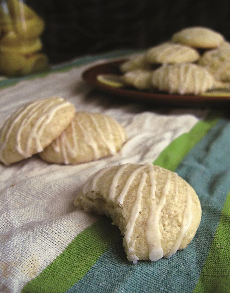 Elizabethan Lemon Cakes. (Courtesy Random House)