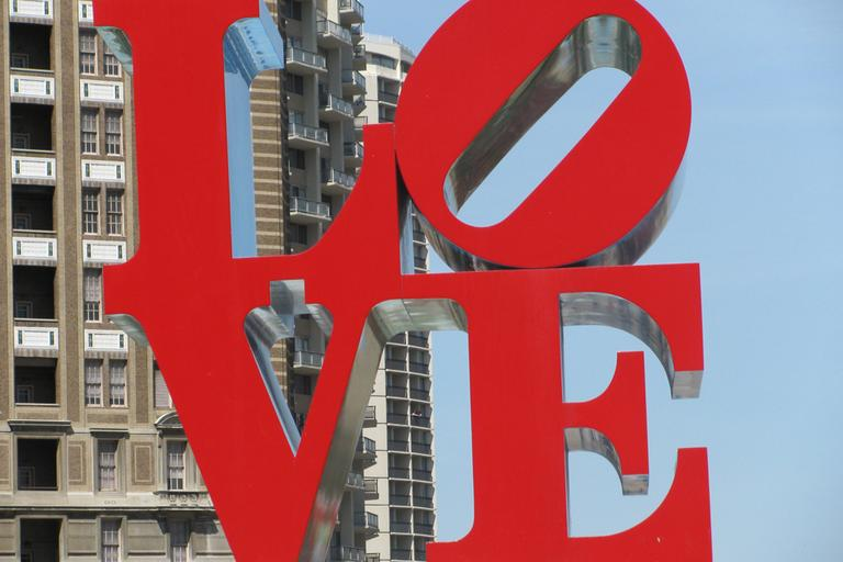 Robert Indiana's LOVE sculpture, JFK Plaza, Philadelphia.(Las/Flickr)