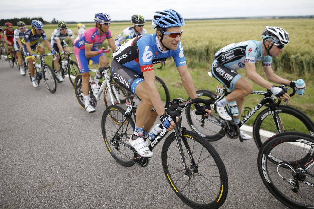 David Zabriskie and Levi Leipheimer are two of five former Armstrong teammates who, according to Dutch newspaper De Telegraaf, have struck a deal with USADA. (AP)