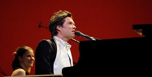 Rufus Wainwright performs. (Courtesy Rufus Wainwright)