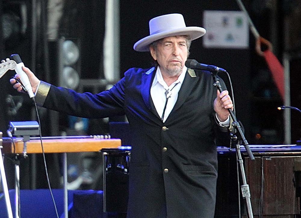 "Jonah Lehrer released a statement on Monday that some quotes in his book ""Imagine: How Creativity Works"" attributed to singer-songwriter Bob Dylan, pictured, did ""not exist."" (AP File Photo)"