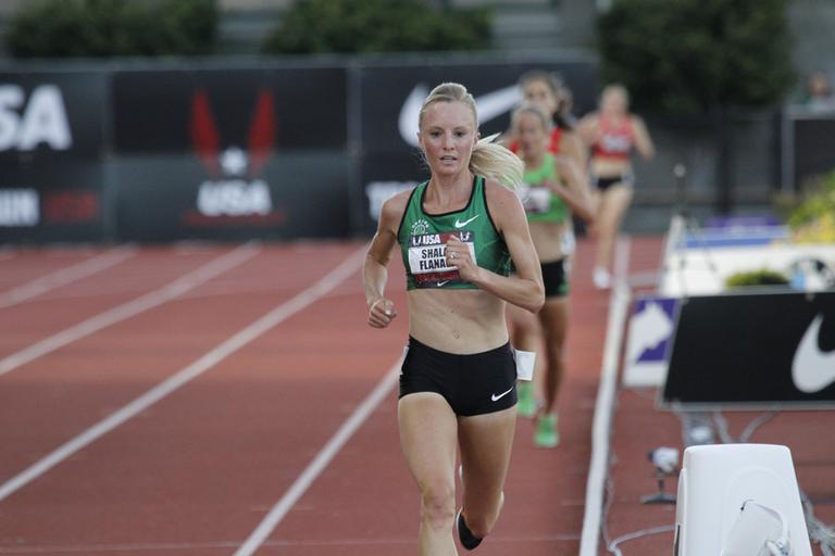 Distance runner Shalane Flanagan races during the 10,000 meter race in the U.S. track and field championships in Eugene, Ore., June, 23, 2011. (AP)