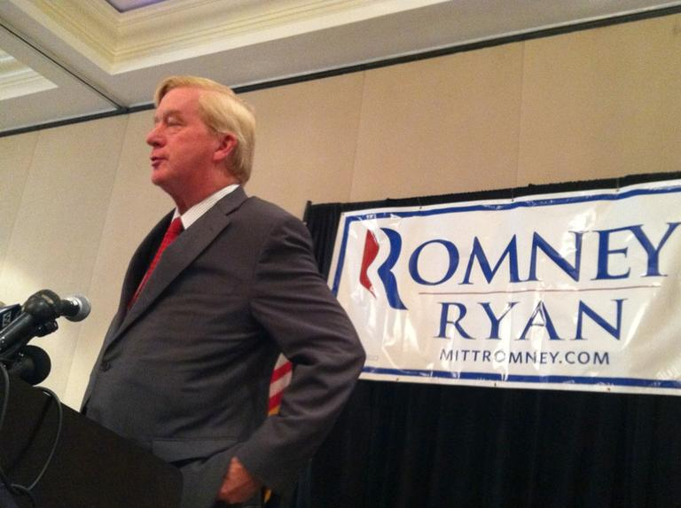 Former Gov. William Weld speaks to Massachusetts convention delegates Tuesday. (Monica Brady-Myerov/WBUR)