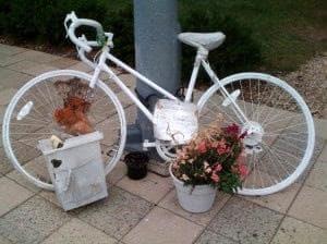 Memorial for a bicycle crash victim in Cambridge (Rachel Zimmerman)
