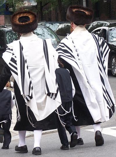 Ultra-Orthodox Jewish men in Brooklyn (Wikimedia Commons)