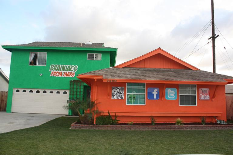 The first and only home to be painted by Brainiacs in California (Courtesy Brainiacs)