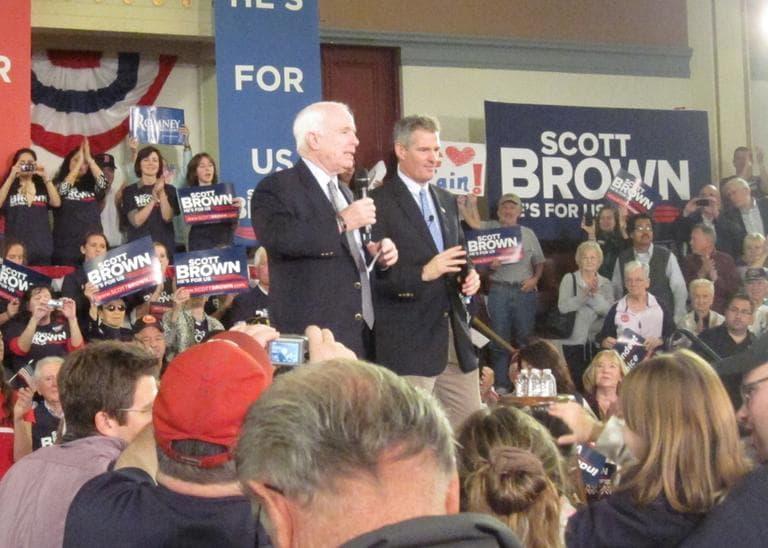 Arizona Sen. John McCain campaigns with Sen. Brown in Melrose Saturday. (Rachel Rohr/WBUR)