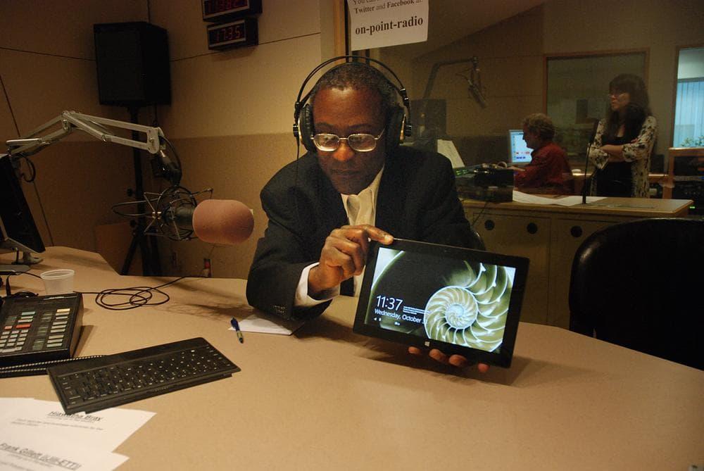 Hiawatha Bray, tech reporter for the Boston Globe. (Jesse Costa/WBUR)
