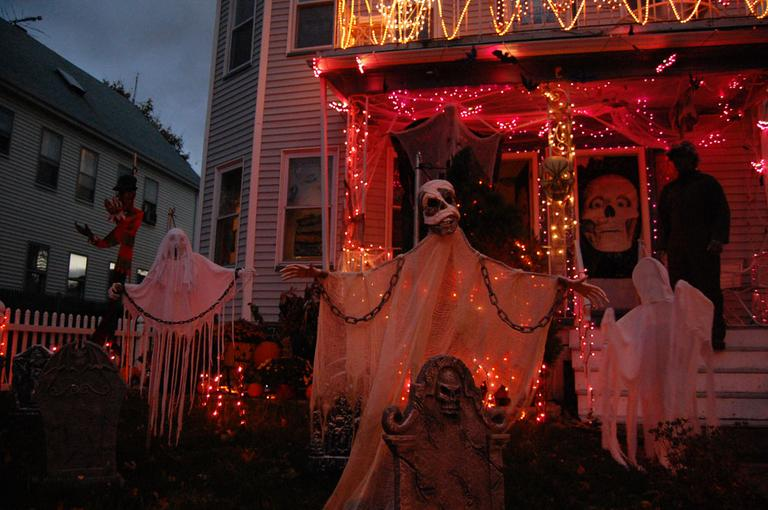 Evelyn and Mark Anzalone's home at 52 Bainbridge St., Malden. (Greg Cook)