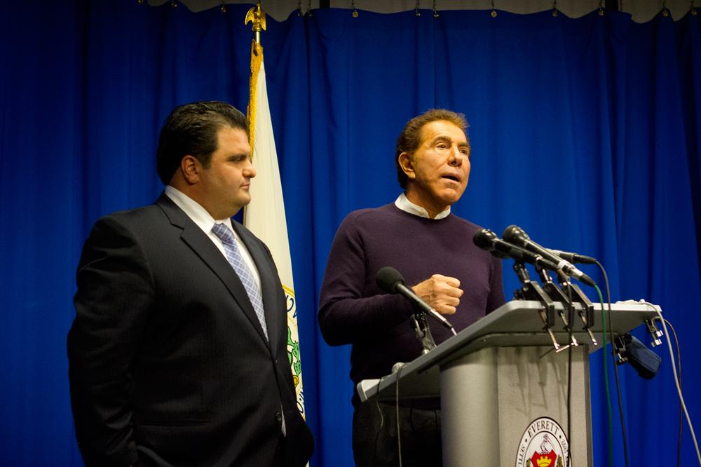 Casino developer Steve Wynn, right, and Everett Mayor Carlo DeMaria speak at a news conference about Wynn's visit to the city and his potential casino development along the Mystic River. (Jesse Costa/WBUR)