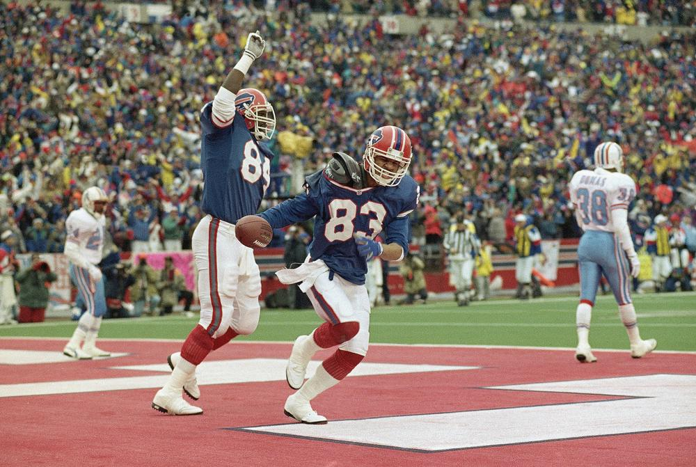 The Buffalo Bills overcame a 32-point deficit to win a 1993 wild-card matchup against the Houston Oilers. The victory remains the biggest comeback in NFL history. (Bill Sikes/AP)