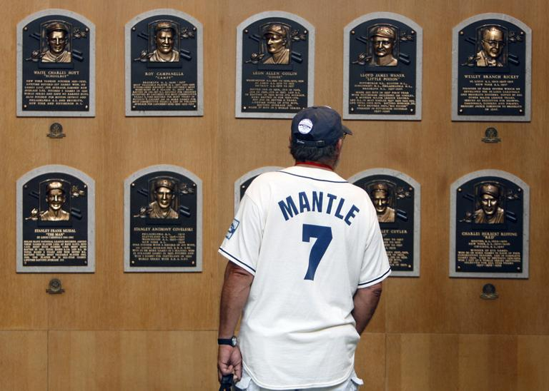 Barry Bonds, Roger Clemens and other former players eligible for the Hall of Fame this year will not receive plaques of their own anytime soon. (AP Photo/Mike Groll)