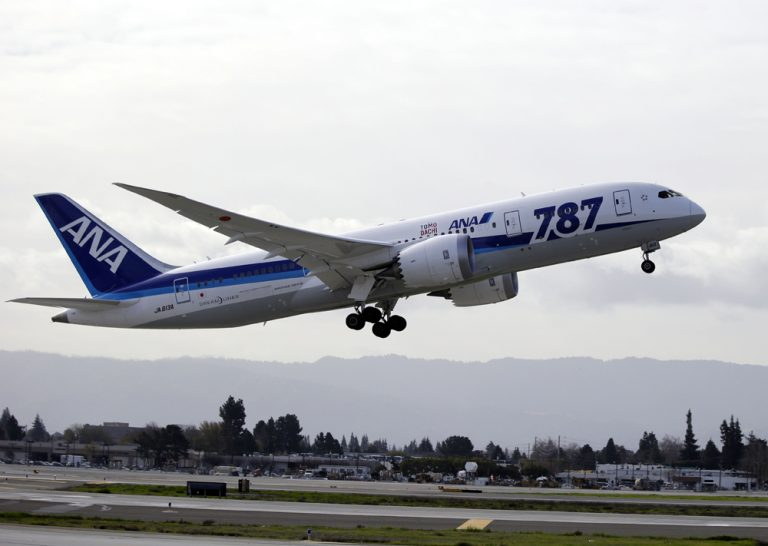 All Nippon Airways' Boeing 787 Dreamliner takes off for the company's first non-stop flight from San Jose to Tokyo at the San Jose International Airport in San Jose, Calif. on Friday, Jan. 11, 2013. (Marcio Jose Sanchez/AP)