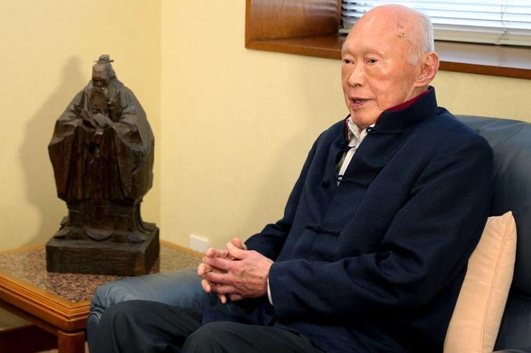Singapore's former Prime Minister Lee Kuan Yew talks with U.S. Secretary of State Hillary Rodham Clinton, unseen, at the Istana, or Presidential Palace, on Friday Nov. 16, 2012 in Singapore. (AP)