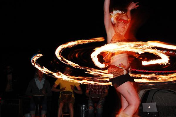 Kayley Smith, 27, performs for the circus troupe Circus Bacchus (Circus Bacchus)