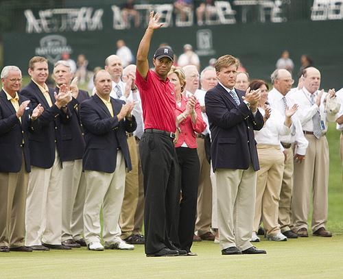 Tiger Woods has returned to the No. 1 ranking in professional golf. (Chase McAlpine/Flickr)