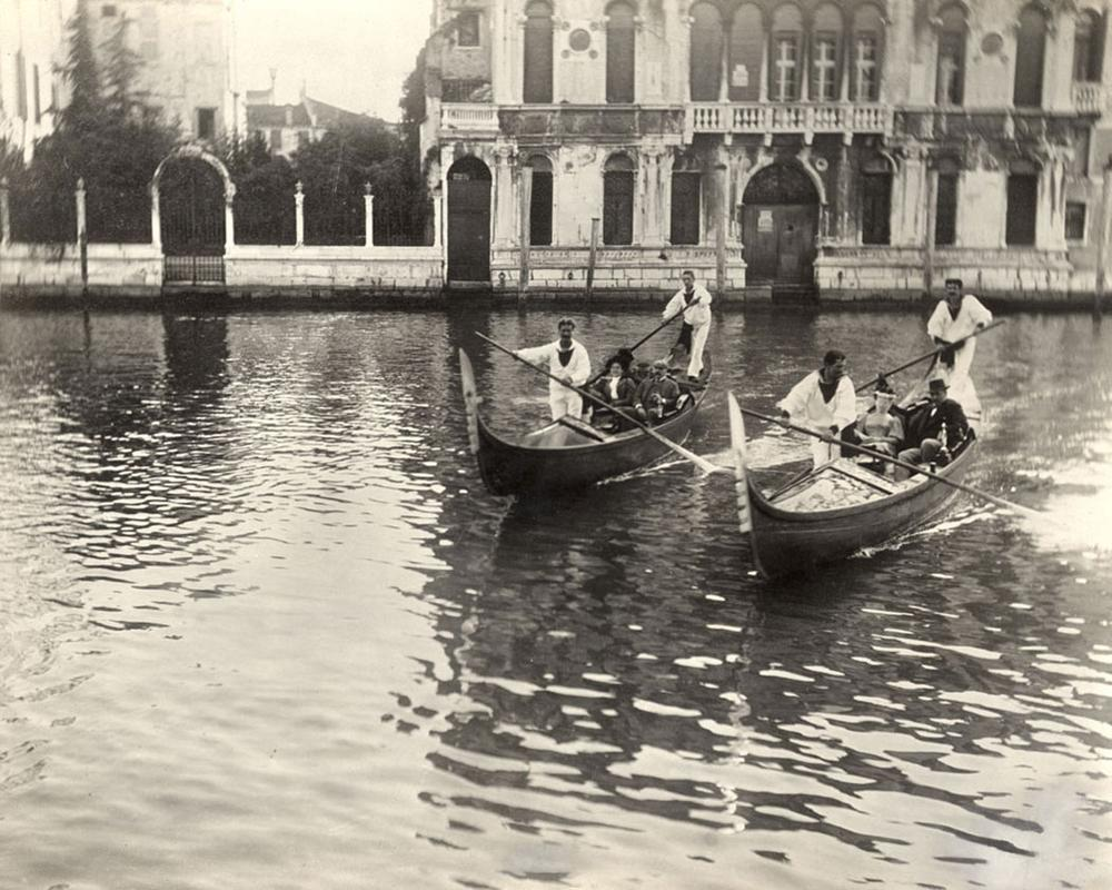 The Gardners and Zorns ride gondolas in Venice, Oct. 13, 1894. (Courtesy Gardner Museum)