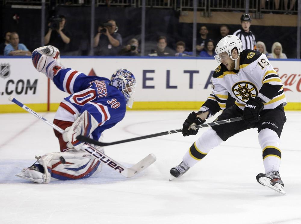 Boston Bruins' Tyler Seguin, right, can't get the puck past New York Rangers goalie Henrik Lundqvist during the first period in Game 3 of the Eastern Conference semifinals in the NHL hockey Stanley Cup playoffs in New York Tuesday, May 21, 2013, in New York. (Seth Wenig/AP)