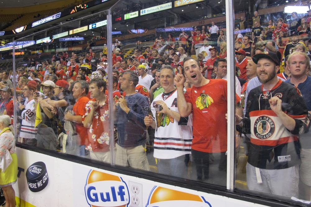 Chicago fans celebrate the Blackhawks' championship. (Doug Tribou/Only A Game)