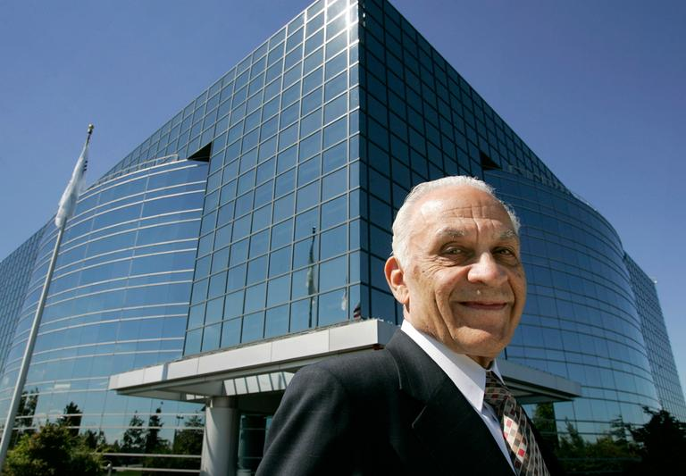 Amar Bose, chairman and founder of Bose Corp., appears in front of the company's Framingham headquarters in 2007. (Steven Senne/AP)
