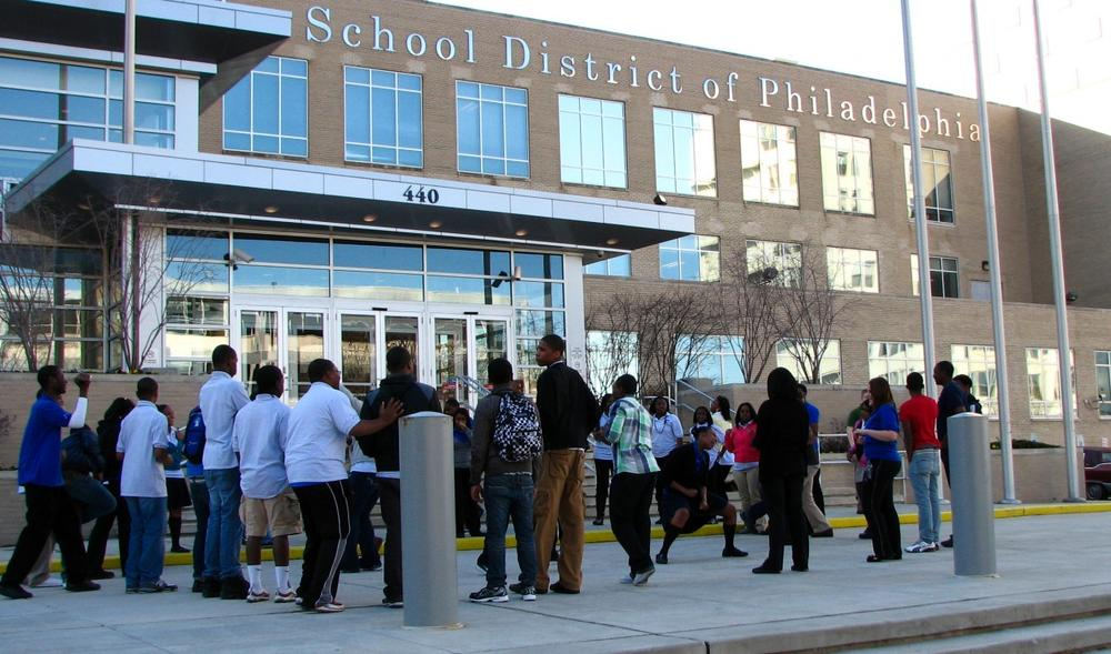 Students mobilize outside the Philadelphia school district headquarters. (versageek/Flickr)