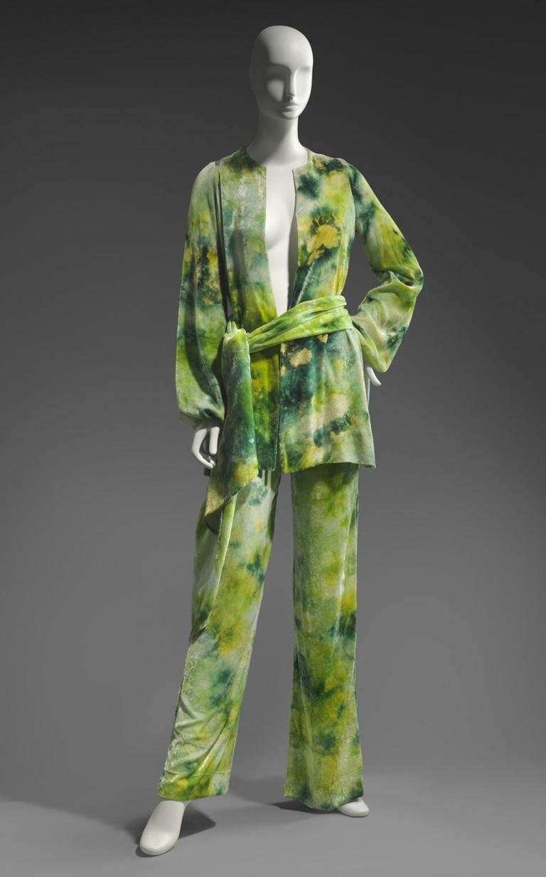 Halston dabbled with tie-dye in this circa 1969 silk velvet woman's ensemble. (Courtesy of Museum of Fine Arts, Boston)