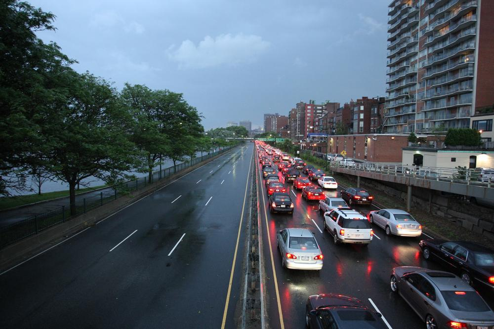 Eastbound traffic on Storrow Drive in Boston (SignalPAD/Flickr)