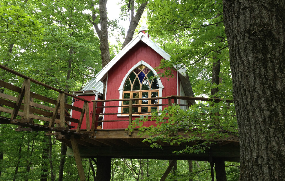 A company in Ohio, Mohican Cabins, lets visitors live in luxury tree houses. (Mohican Cabins)