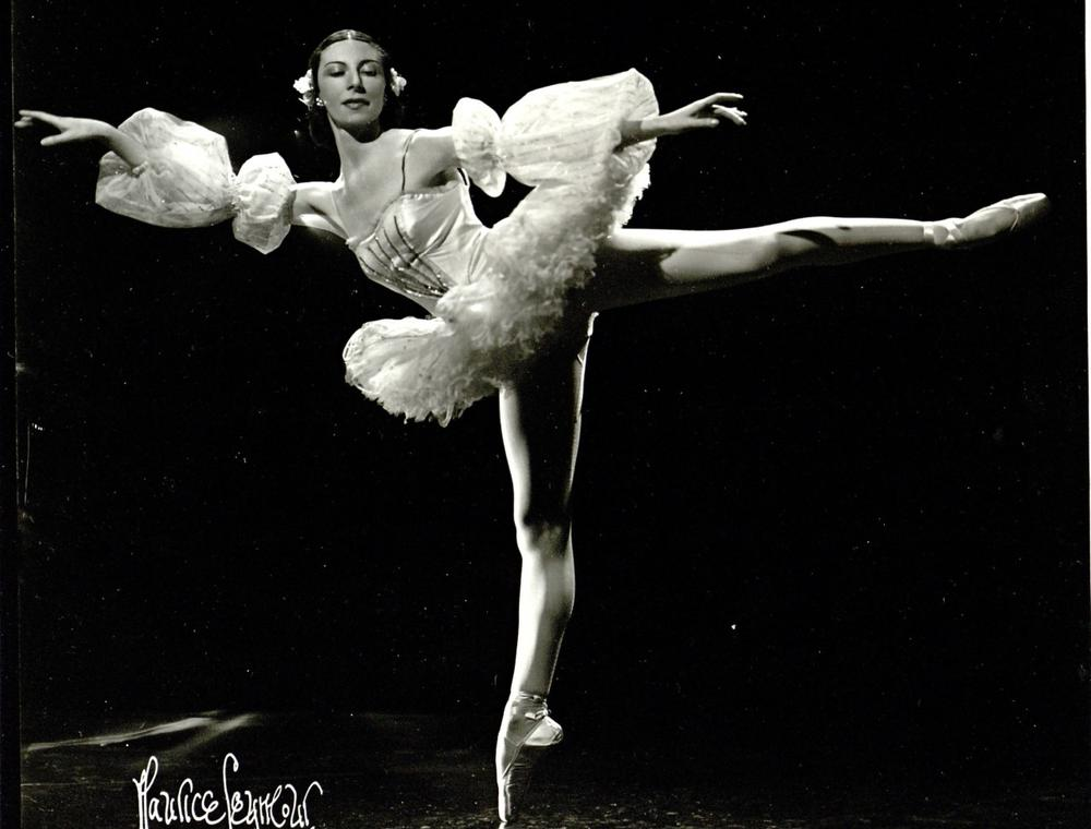 Alicia Markova as the Sugar Plum Fairy - a role she originated at the Boston Opera House in 1938. (Credit: Maurice Seymour)