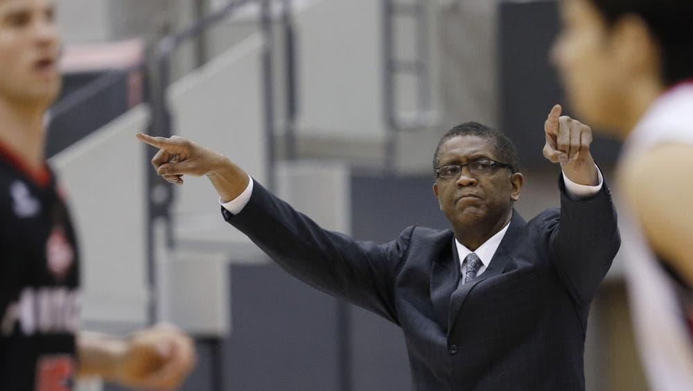 Osaka Evessa coach Bill Cartwright directs players during a Basketball Japan league game. (Shizuo Kambayashi/AP)