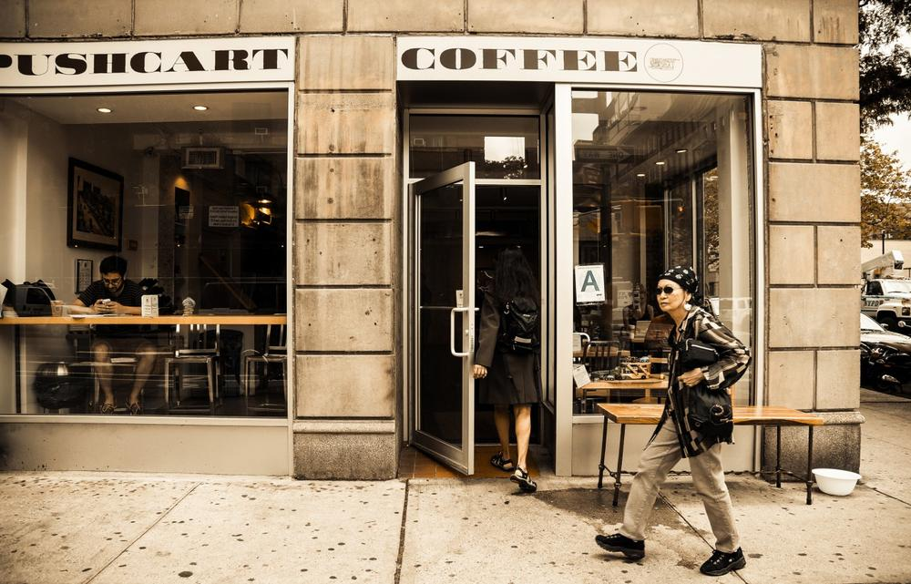 Pushcart Coffee in New York City drew many new customers during the Hurricane Sandy power outages, because it had a generator. (Jeffrey/Flickr)