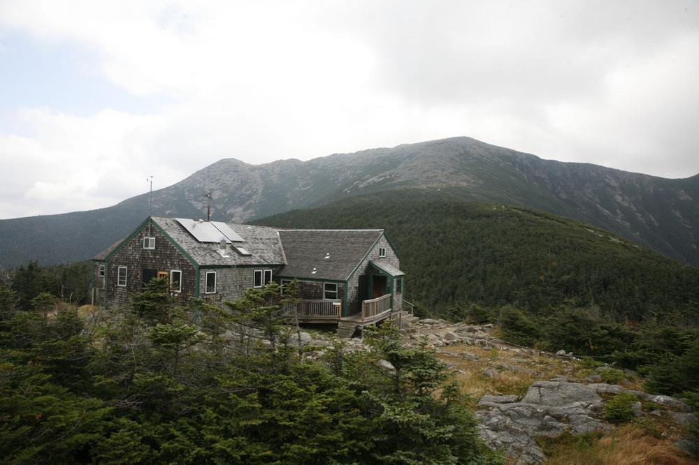 """Greenleaf hut, where Elissa Ely rested after an """"agonizing"""" hike in the White Mountains. (Herb Swanson/Appalachian Mountain Club/AP)"""