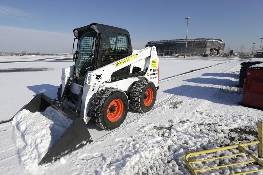 A December storm gave officials the chance to show off their snow removal plans ahead of February's Super Bowl at MetLife stadium in New Jersey. (Julio Cortez/AP)