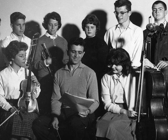 Marvin Rabin and students. (Courtesy)
