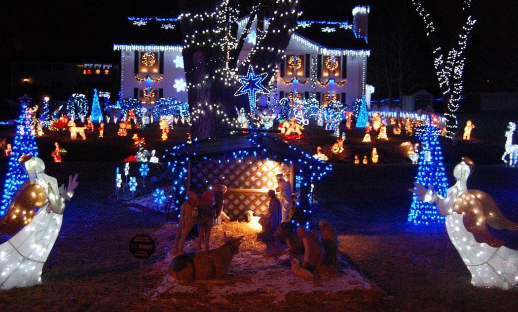 Lynn Fells Parkway Christmas Lights 2020 Where To See The Greatest Christmas Lights Around Boston | The ARTery