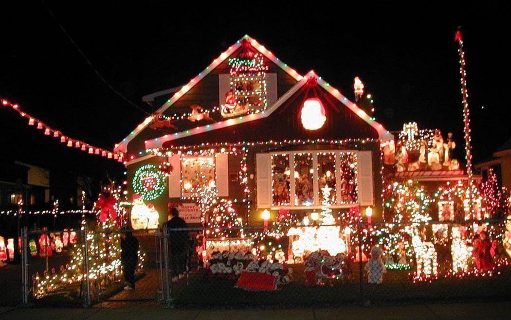 Your Favorite Christmas Lights Around Boston | The ARTery