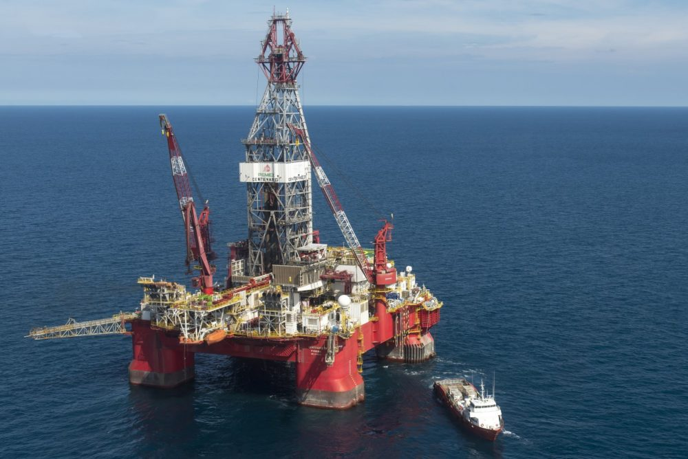 Aerial view of the Centenario exploration oil rig, operated by Mexican company 'Grupo R' and working for Mexico's state-owned oil company PEMEX, in the Gulf of Mexico on August 30, 2013. (Omar Torres/AFP/Getty Images)