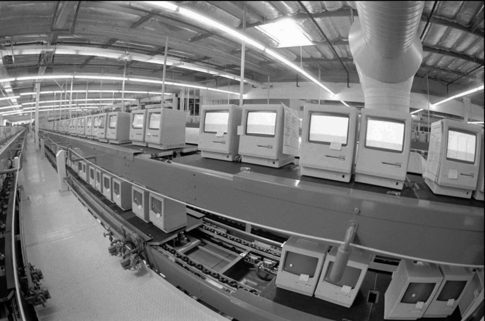 The Apple Computer Inc., manufacturing plant in Milpitas, Calif., producing Macintosh computers, is shown in this Feb. 24, 1984 photo. (Paul Sakuma/AP)