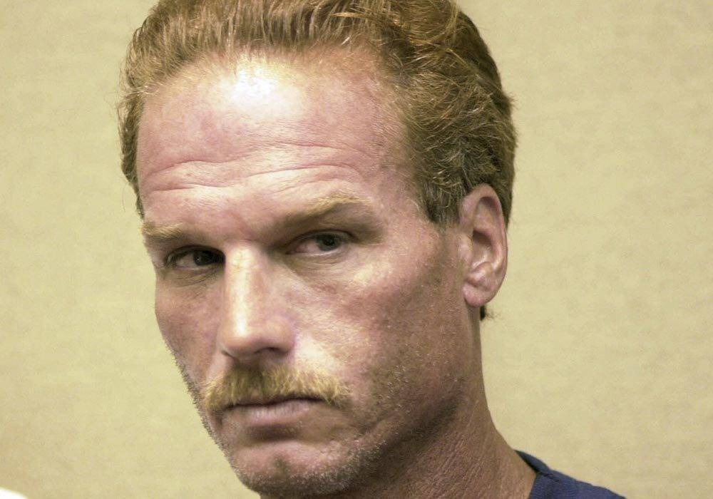 Gary Lee Sampson at his district court arraignment in Brockton in 2001. (Greg Derr/AP Pool)