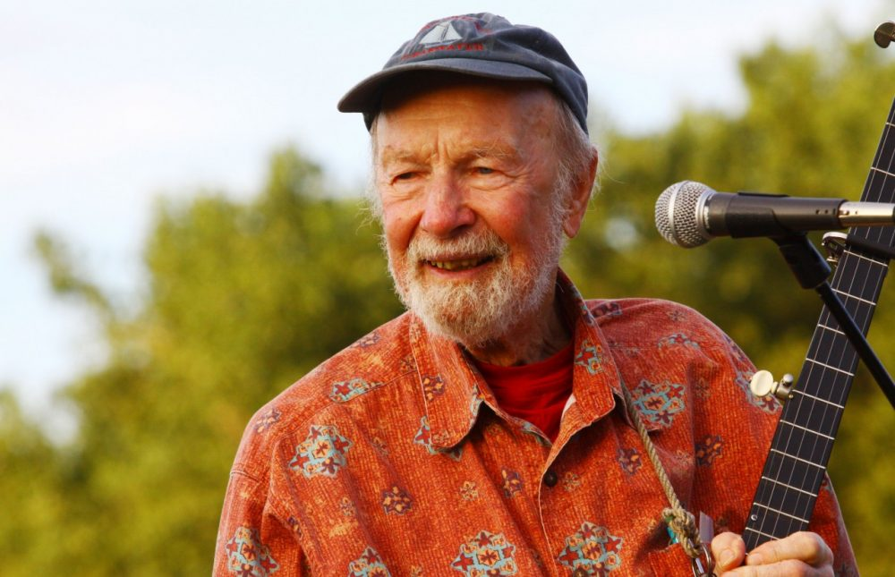 Singer Pete Seeger performs on September 3, 2009 in New York City. (Astrid Stawiarz/Getty Images)